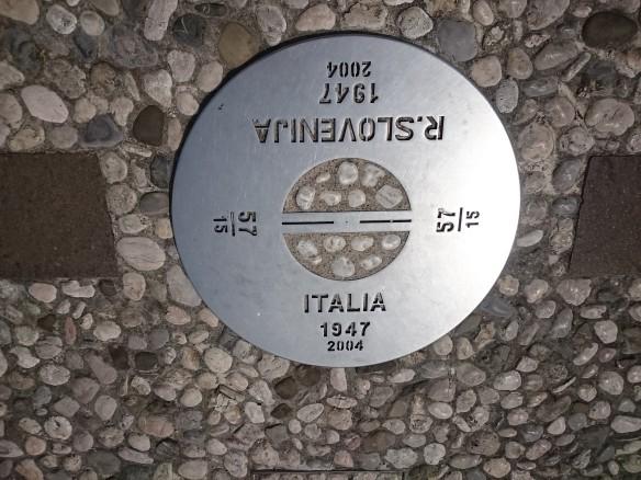 La plaque commémorative de l'ancien rideau de fer